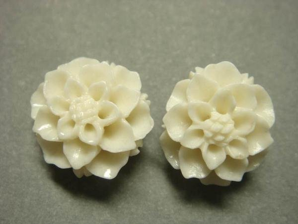 925 Sterling Silver Flower Carved Coral White Flower Stud Earrings Set