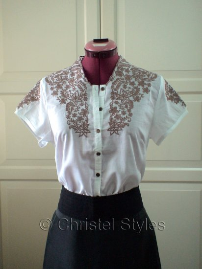 NEW Classic Embroidered White Women's Shirt Size M