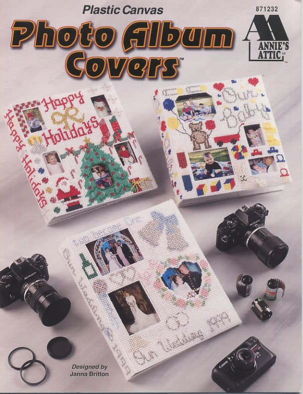 plastic canvas photo album covers patterns annie 39 s attic 871232. Black Bedroom Furniture Sets. Home Design Ideas