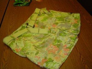 sz 14 Belted Shorts floral pattern