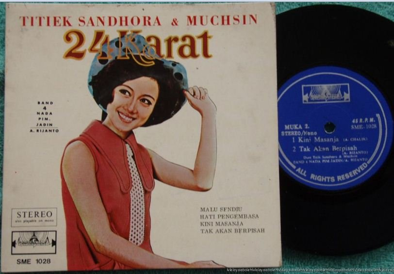 Indonesia TITIEK SANDHORA & Muchsin Malay pop EP 1028 (125)