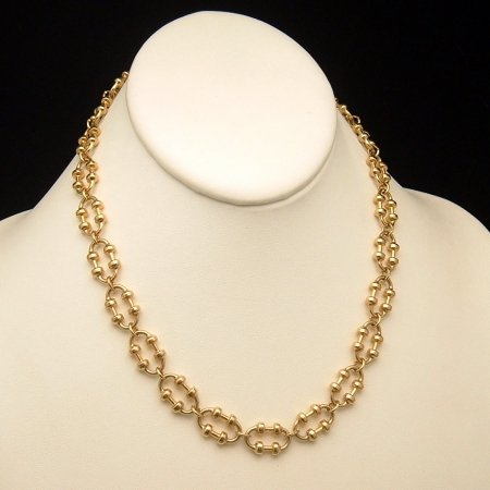 AVON Vintage Necklace Fancy Oval Goldtone Knot Links 17 inch