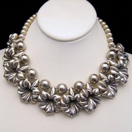 Vintage Chunky Necklace Large Silvertone Flower Dangles Beads