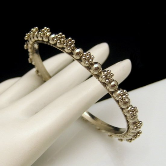Vintage Bangle Bracelet Small Wrist Silvertone Beaded Floral Design