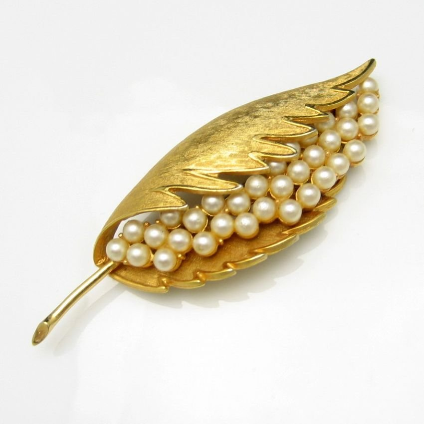 CORO COROCRAFT Vintage Brooch Pin Large Leaf Faux Pearls
