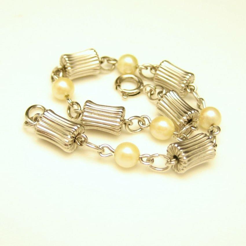 12K White Gold Filled Vintage Bracelet Mid Century Pearls Fluted Beads Corrugated