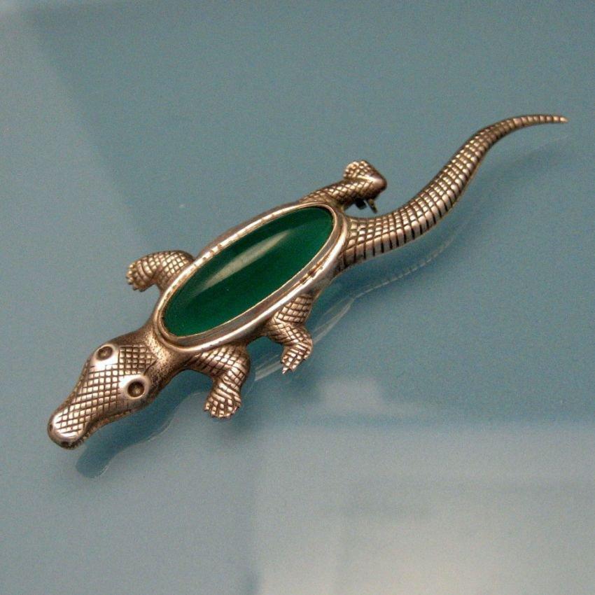 STERLING Silver Vintage Alligator Crocodile Brooch Pin Green Stone Nice Detail