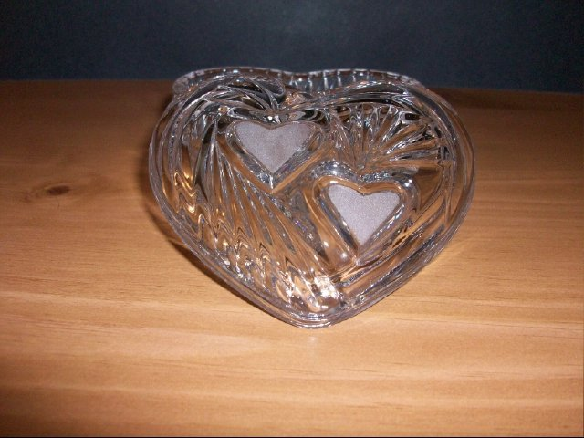 Heart Shaped Glass Crystal Dish With Lid