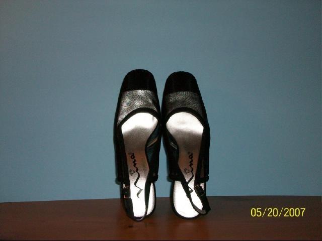 Nina Black Slingbacks - Size 9M