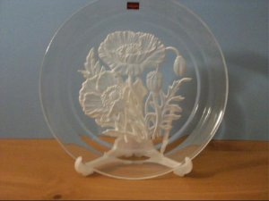 Hoya Museum Crystal Flower of the Month Plate - August