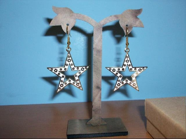Chinese Cloisonne White & Gold Star Shaped Decorative Pierced Earring