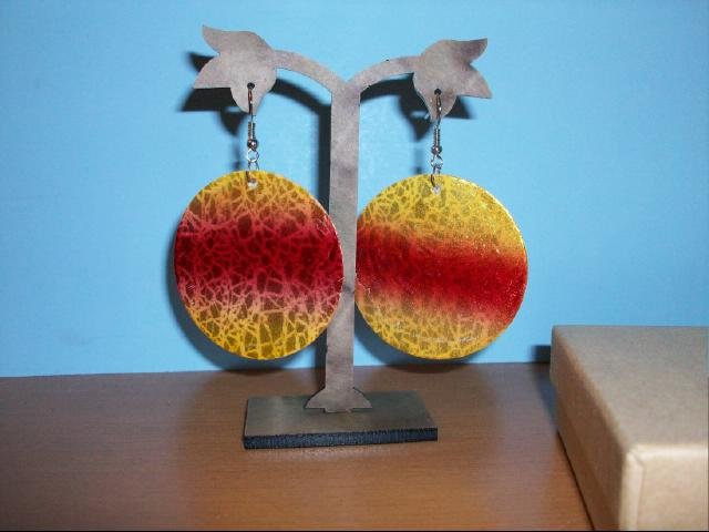 Natural Shell Dangle Earring - Red and Yellow