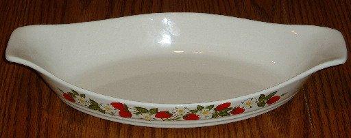 Sheffield Strawberries & Cream 12 Inch Oval Baking Dish
