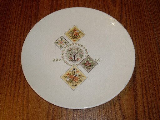 Taylor Smith and Taylor Spring Bouquet Dinner Plate