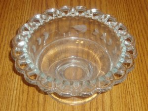 Lattice Edge Etched Glass Pedestal Base Glass Bowl/Dish