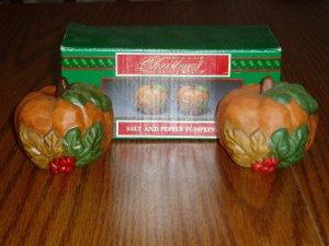House of Lloyd Pumpkin Salt/Pepper Shakers Fall Halloween