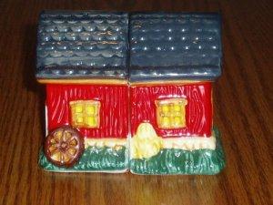 Ceramic Hand Painted Red Barn Salt/Pepper Shaker Set
