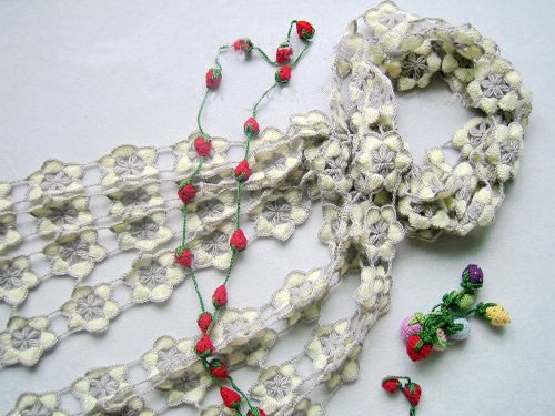 Hand-crochetted white and grey redbud  blossom flowers scarf