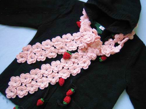 Amazing Hand-crochetted fresh pink peachblossom flowers scarf