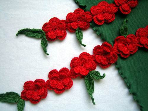 Hand-crochetted fresh red peachblossom flowers scarf with green leaves