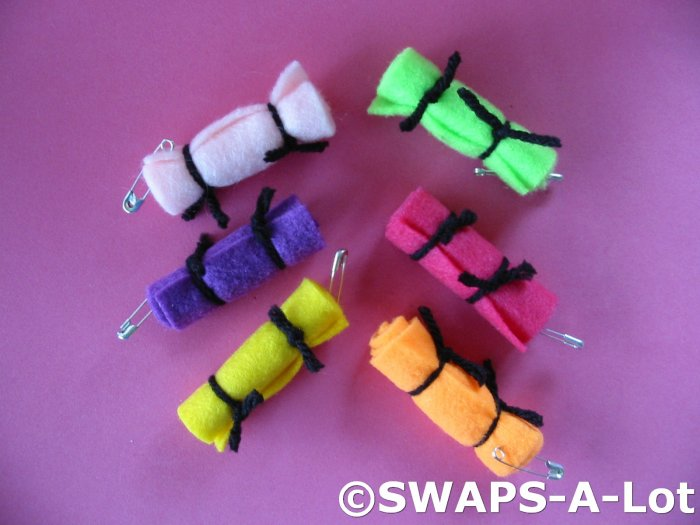 Mini Bright BED ROLLS Girl Scout SWAPS Kids Craft Kit makes 50