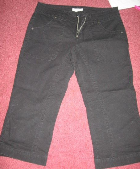 Tommy Hilfiger Black Capri jeans LOW rise snaps Jr 11