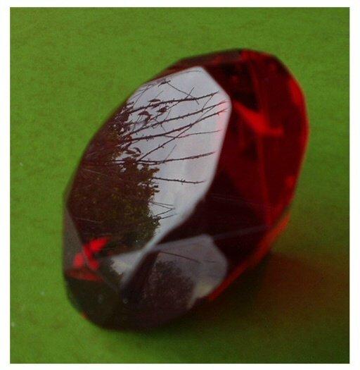 RUBY RED CUT CRYSTAL 80MM 1400 KTS CHATON Healing