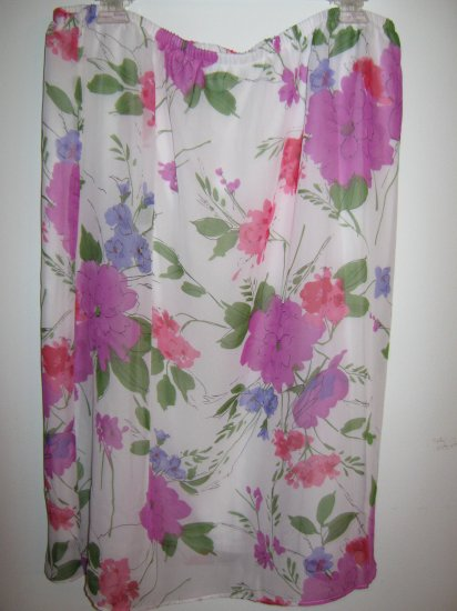 Womans Pride and Joy  white w/purple/red/pink flowers skirt (3X)