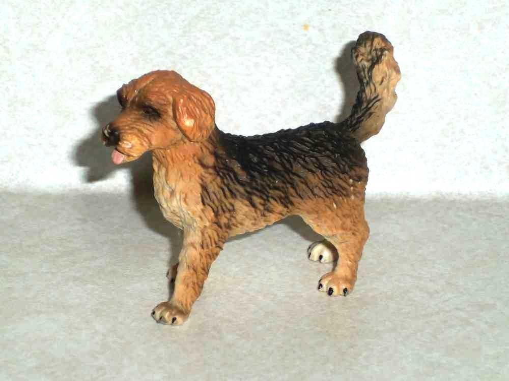 Schleich #13265 Farm Dog 2000 Plastic Toy Animal Figure
