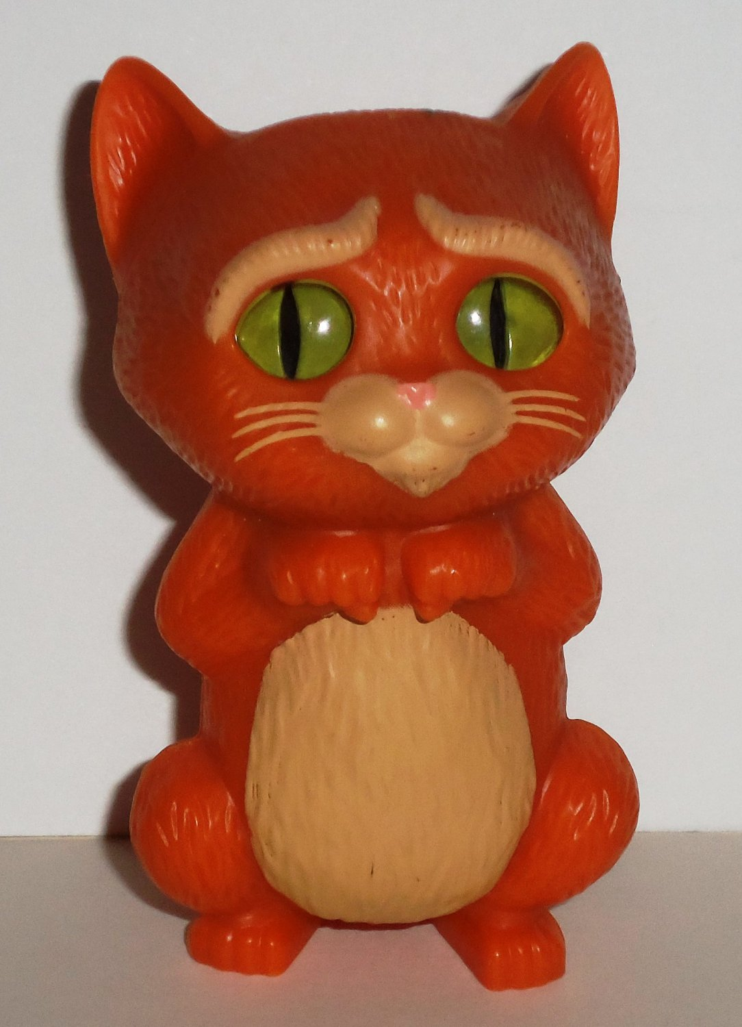 McDonald's 2011 Puss in Boots Cute Eyes Happy Meal Toy Loose Used