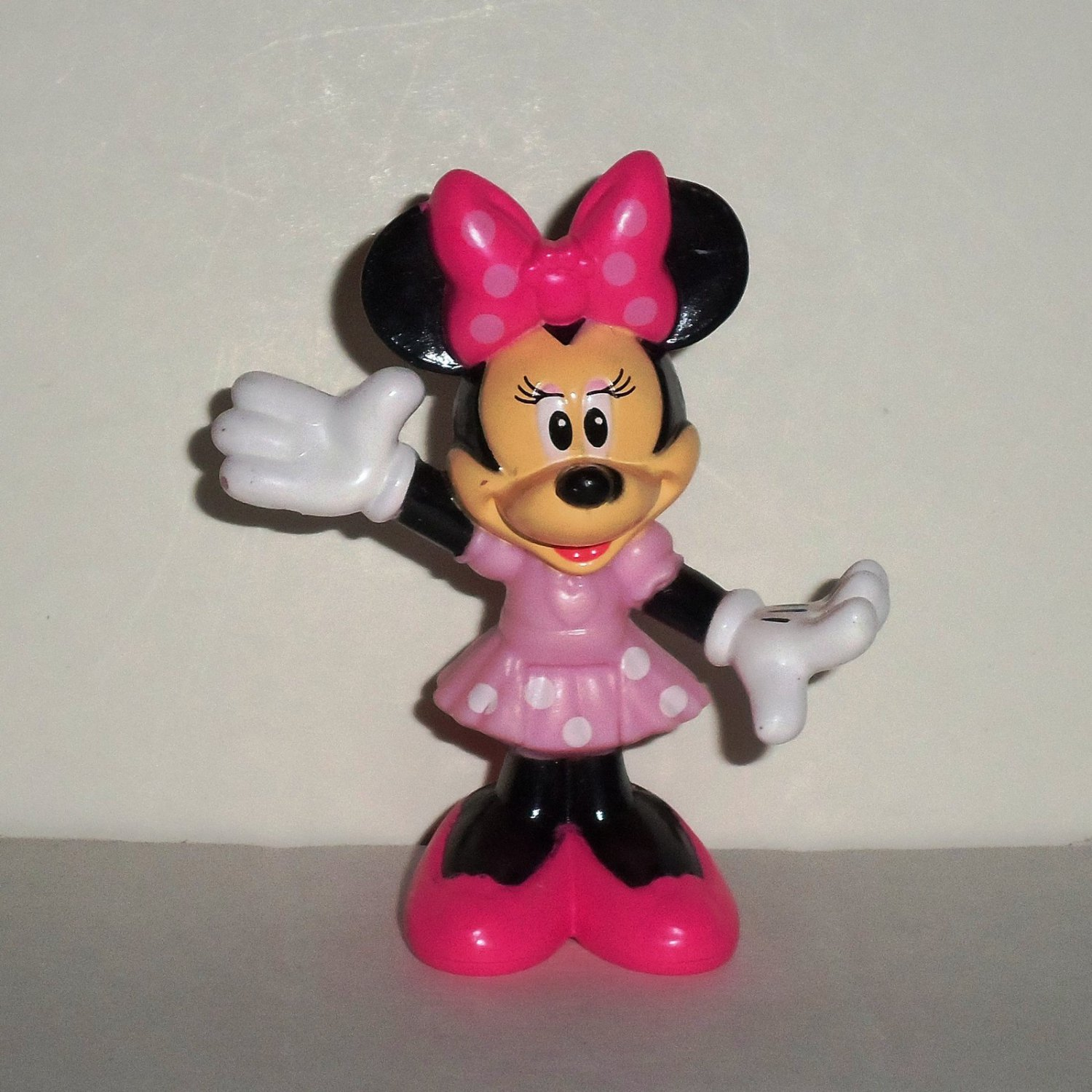 Fisher-Price Disney Minnie Mouse Pink Figure from X2756 Minnie's Bow-Tique Pet Tour Van Loose Used