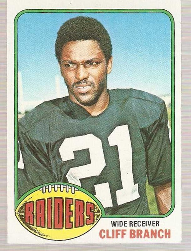 1976 Topps Football Card #73 Cliff Branch Oakland Raiders NM