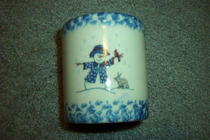 Henn Workshops Lil' Miss Shivers blue sponged half pint crock