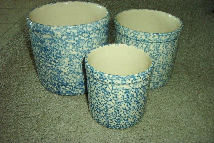 Henn Workshops blue sponged 1, 2 & 3 quart crock set of 3