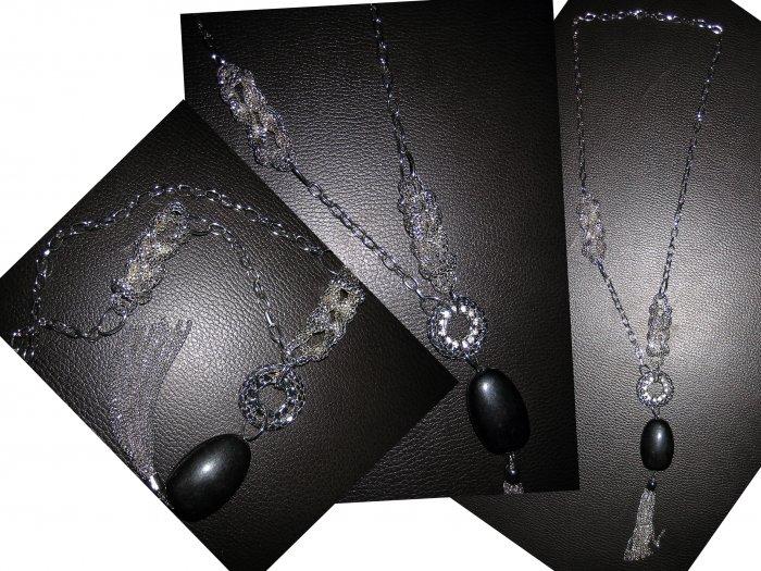 Long  Interlocking Ring Multi Charm Lariat Black Stone Pendant Necklace-Silver (FREE Shipping)