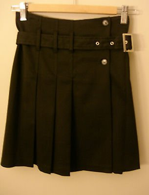 S- Pleated Buckle Skirt in Black