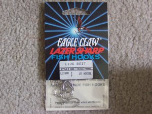 Lot of 300 Style L318NV Eagle Claw Hooks NEW in packages - size 3 - Nickel