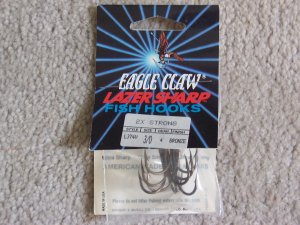Lot of 84 L374V Eagle Claw Hooks NEW in packages - size 3/0 - Bronze