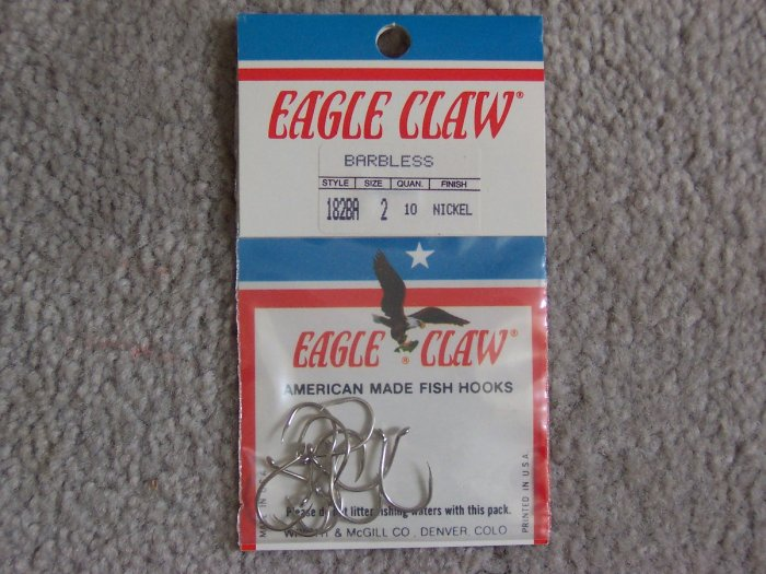 Lot of 200 Style 182A Eagle Claw Hooks NEW in packages - size 2 - Nickel
