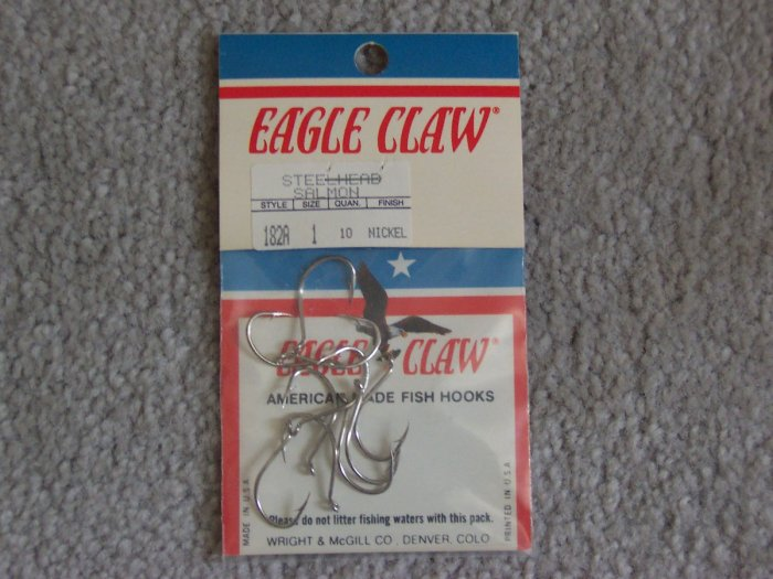 Lot of 200 Style 182A Eagle Claw Hooks NEW in packages - size 1 - Nickel