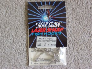 Lot of 180 Style L318 Eagle Claw Hooks NEW in packages - size 8/0 - Nickel
