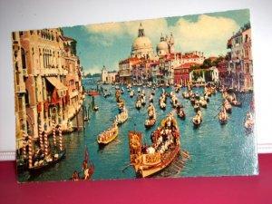 Vintage Venezia Grand Canal and Regatta Boats Italy International Postcard