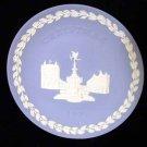Wedgwood England Christmas 1971 Plate Piccadilly Circus