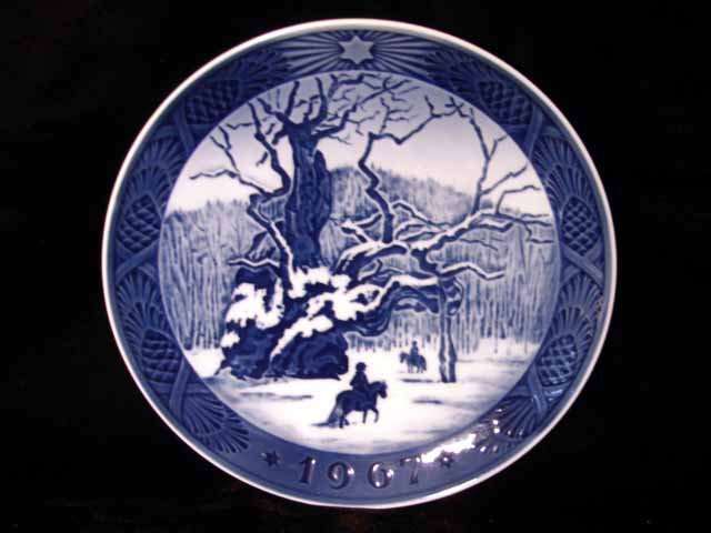 Royal Copenhagen Denmark 1967 Xmas Plate The Royal Oak