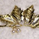 Vintage Brooch/Pin  Goldtone w/faux Pearls