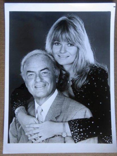 GG40 Leo & Liz HARVEY KORMAN/V PERRINE TV Press Still