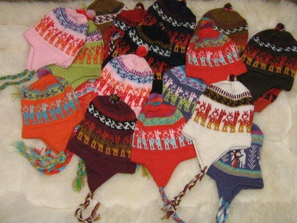 25 Alpaca woolen hats with ear flaps, wholesale lots