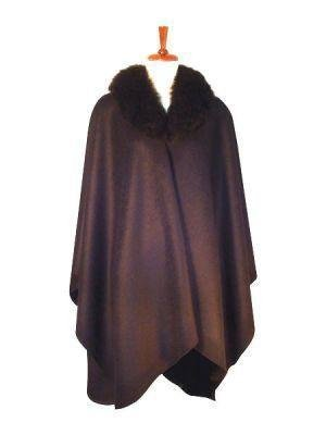 Cape with a fur border,wrap made with alpaca fabric