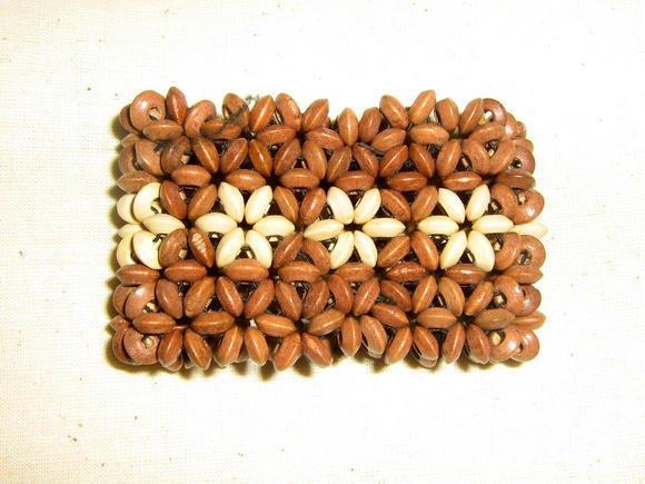 Lot of 100 ethno bracelets made of seeds,Wholesale