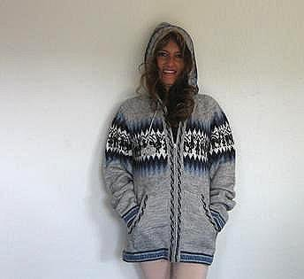 Gray hooded sweater, made of Alpaca wool